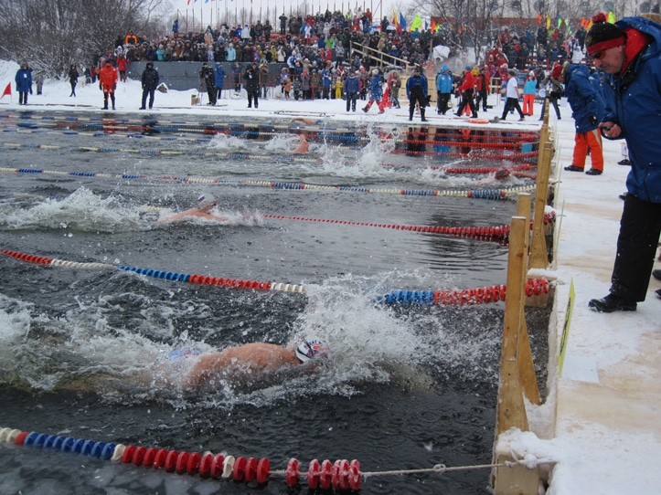 World Ice Swimming Champs sprint finish